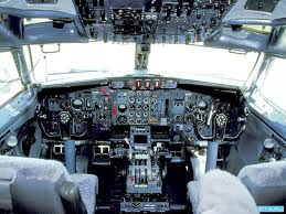 ima li pilota u avionu